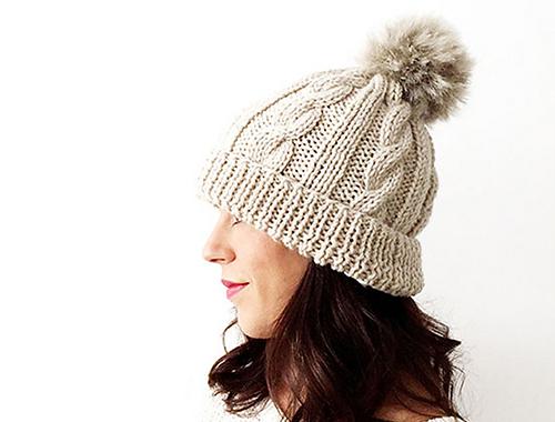 Tricoter un bonnet à pompon Pompom Hat par Marta Porcel
