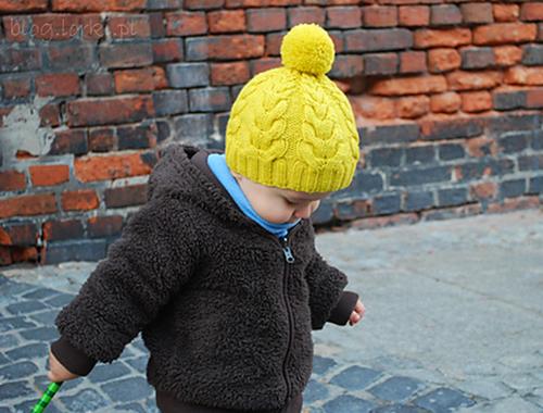 Tricoter un bonnet à pompon par Justyna Lorkowska